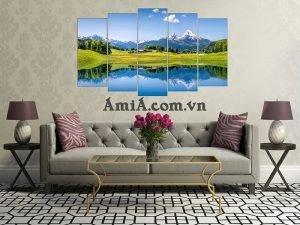 Tranh treo phòng khách đẹp với phong cảnh hữu tình non nước