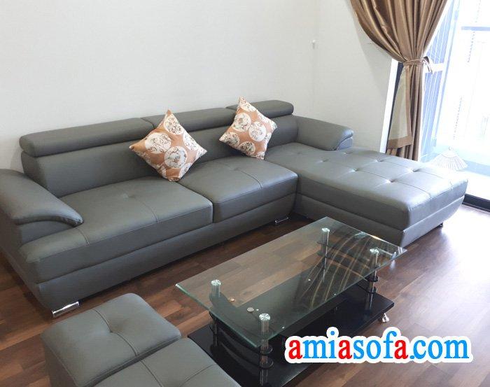 Hình ảnh ghế sofa SFD 036 mầu da ghi. Ảnh chụp tại phòng khách nhà khách hàng